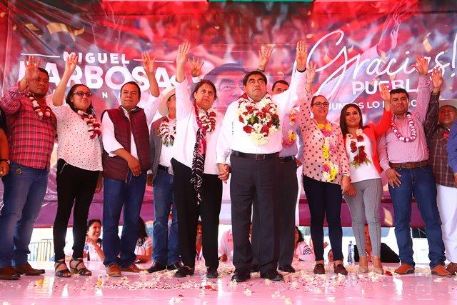 OFRECE MIGUEL BARBOSA  RECORRER LOS 217 MUNICIPIOS COMO GOBERNADOR