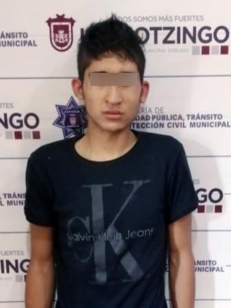 DETIENE POLICÍA MUNICIPAL DE HUEJOTZINGO A PRESUNTO ASALTANTE DE GASOLINERA