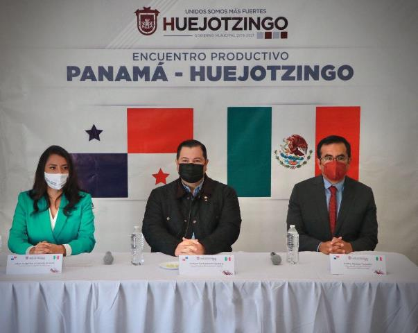 ENCABEZA ANGÉLICA ALVARADO ENCUENTRO PRODUCTIVO PANAMÁ-HUEJOTZINGO