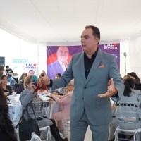 LAS MUJERES TIENEN EL POTENCIAL DE SALIR ADELANTE POR SI MISMAS: LALO RIVERA SANTAMARÍA