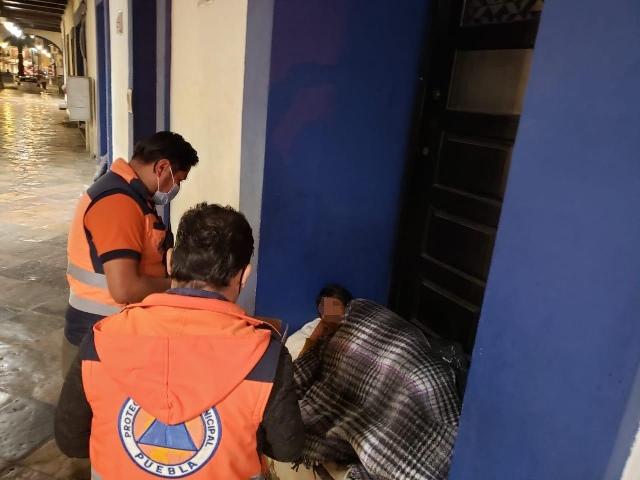 PROTECCIÓN CIVIL MUNICIPAL DE PUEBLA BRINDA APOYO A PERSONAS EN SITUACIÓN DE CALLE