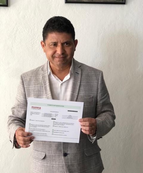 ADÁN PASTÉN SE REGISTRA PARA BUSCAR LA CANDIDATURA A LA PRESIDENCIA MUNICIPAL DE CUAUTLANCINGO, POR MORENA