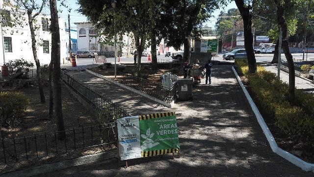AYUNTAMIENTO DE PUEBLA DA MANTENIMIENTO Y RESCATA ESPACIOS PÚBLICOS EN BARRIO DE EL ALTO