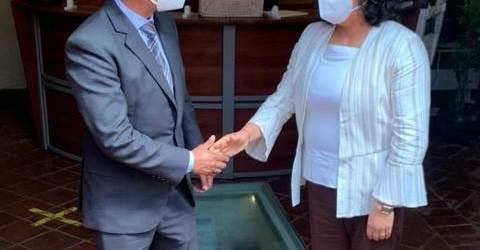 SOSTIENEN PRIMERA REUNIÓN DEL INICIO DE ENTREGA-RECEPCIÓN, LA PRESIDENTA KARINA PÉREZ POPOCA Y EL PRESIDENTE ELECTO EDMUNDO TLATEHUI