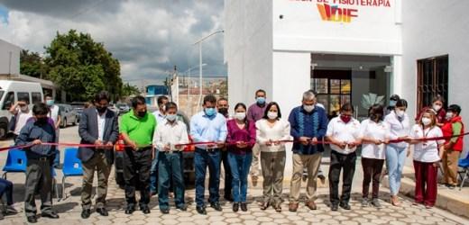 INAUGURA LUPITA DANIEL, UNA CLÍNICA DE FISIOTERAPIA Y REHABILITACIÓN EN CHAUTENCO