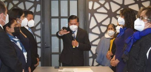 FILOMENO SARMIENTO TORRES, TOMA PROTESTA COMO PRESIDENTE MUNICIPAL CONSTITUCIONAL DE CUAUTLANCINGO