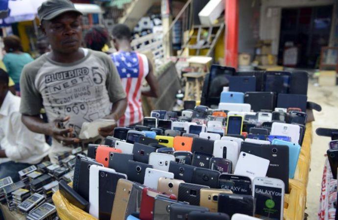Computer Village street traders defy Governor Ambode's order