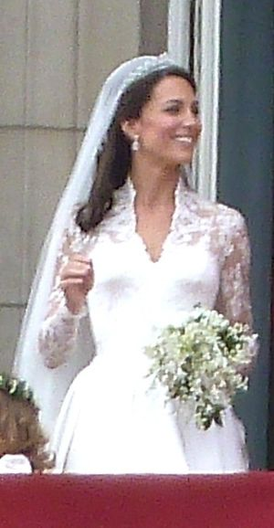 300px-Kate_Middleton_in_bridal_gown