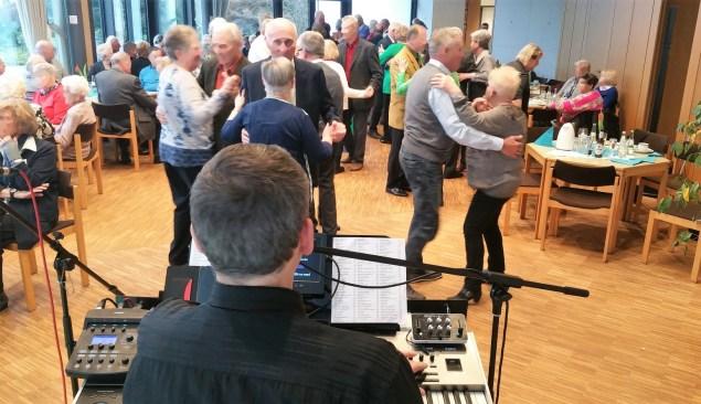 Musiker für Tanztee