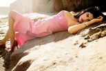 Selena-Gomez-In-New-Elle-Photo-Shoot-On-The-Beach