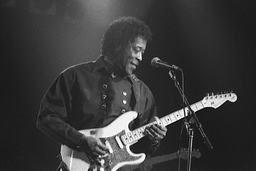 Buddy Guy performing in Toronto, Canada in 2005. Photo: Jean-Luc Ourlin.