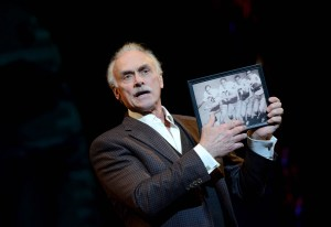 Rocky Bleier shares memories of his glory days on the gridiron in his one man production, 'The Play.'