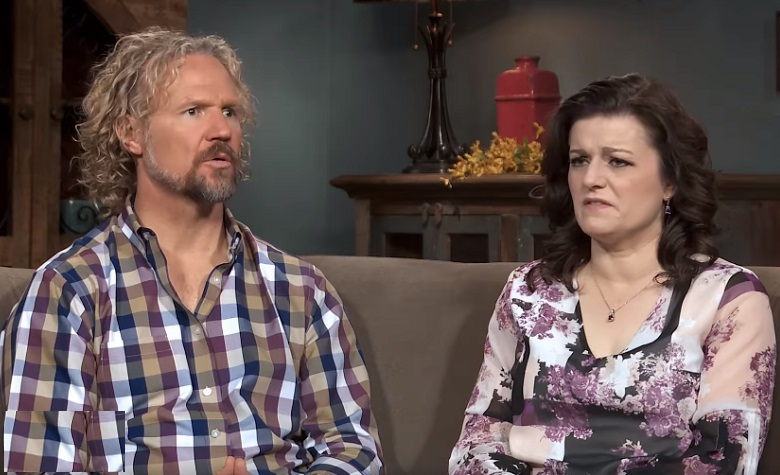 Sister Wives: Kody Brown - Robyn Brown on Couch