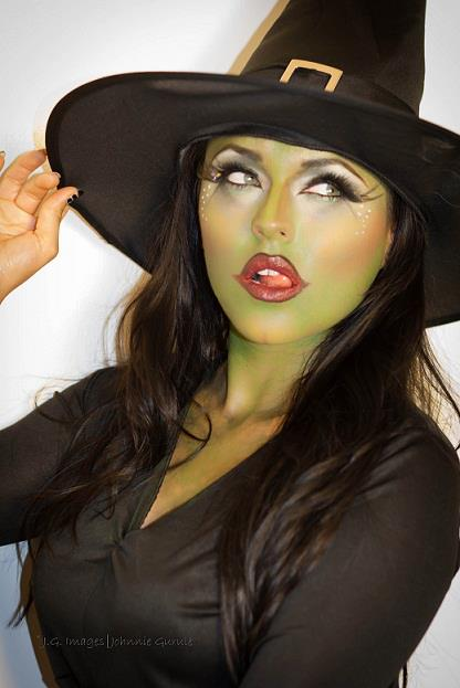 flirty witch makeup ideas for halloween