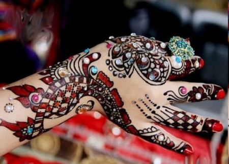 Eid Mehndi Designs On Hands