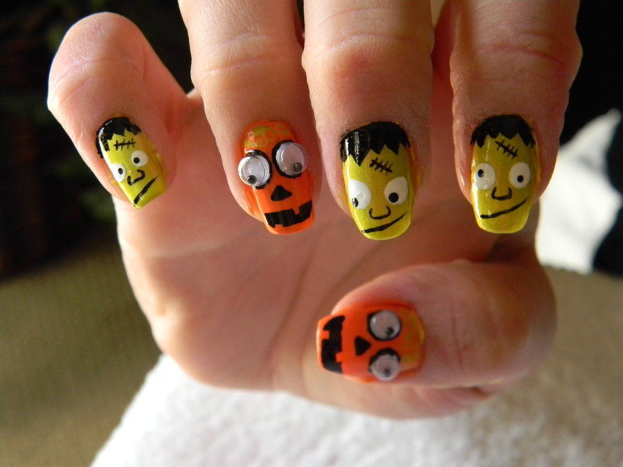 25 Extremely Spooky Halloween Nail Art Ideas Entertainmentmesh