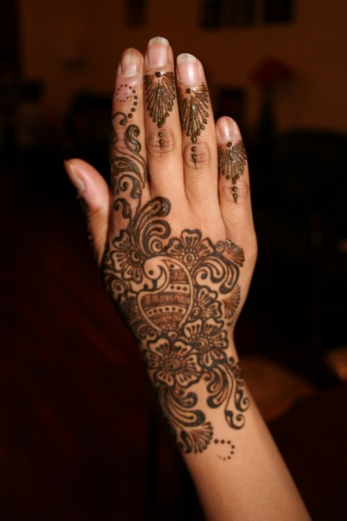 Easy-Mehndi-Designs-For-Hands