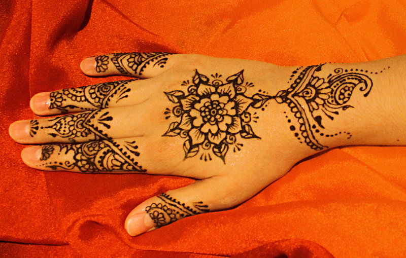 henna in arab countries and india essay Summer in algeria - the largest arab country in the world and the  their  jewellery and the henna parties as well as the delicious food that.