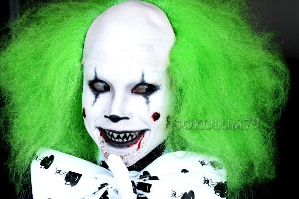 funny smile scary clown
