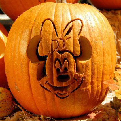 minnie-mouse-pumpkin-carving-design