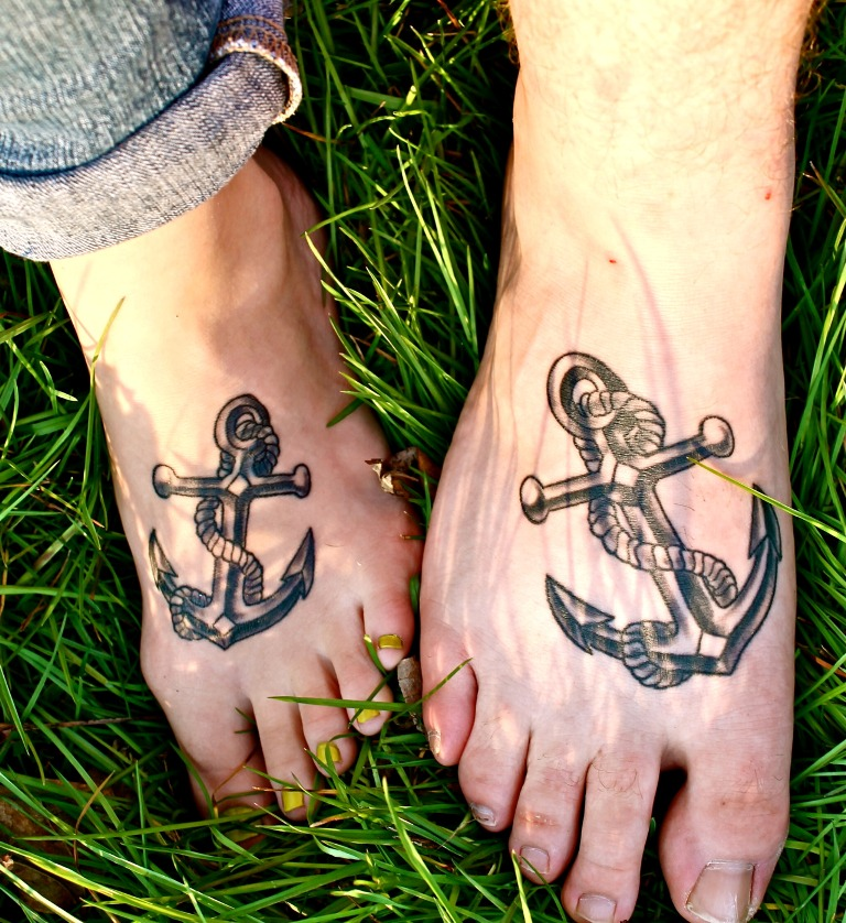 20 cute matching anchor tattoos for couples