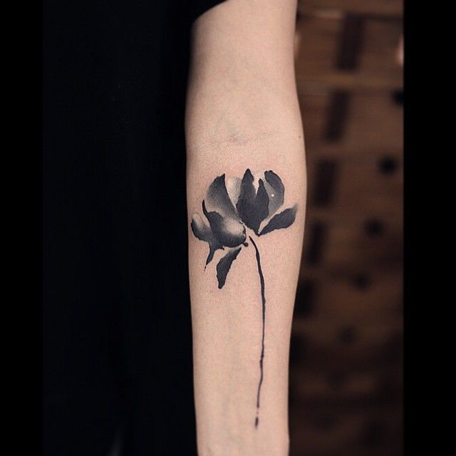 Black And White Flower Tattoos On Wrist: 30 Beautiful Black And White Flower Tattoos For Women