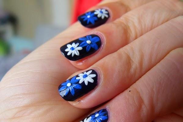 Easy Daisy Flower Fingernail Designs To Do At
