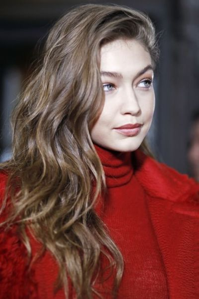 fall winter makeup trends Wavy hair