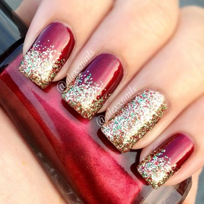 red and gold glitter gradient Christmas nails