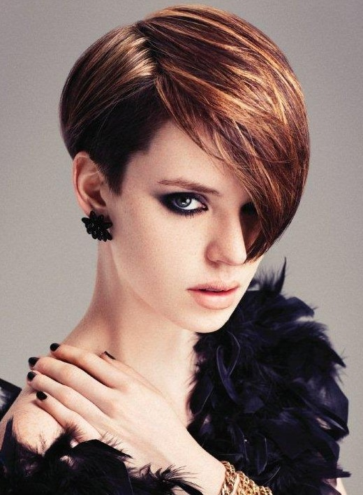 asymmetric side parted haircut with highlights