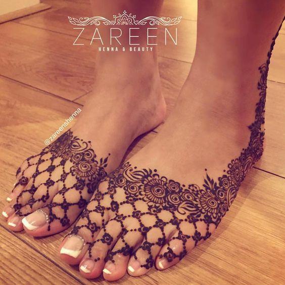 asian floral mehndi design pattern on feet for women