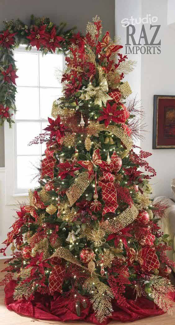 Christmas tree decorations red-green-gold