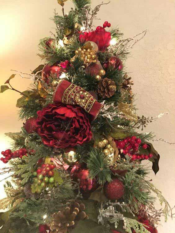 Christmas tree decoration with dry items