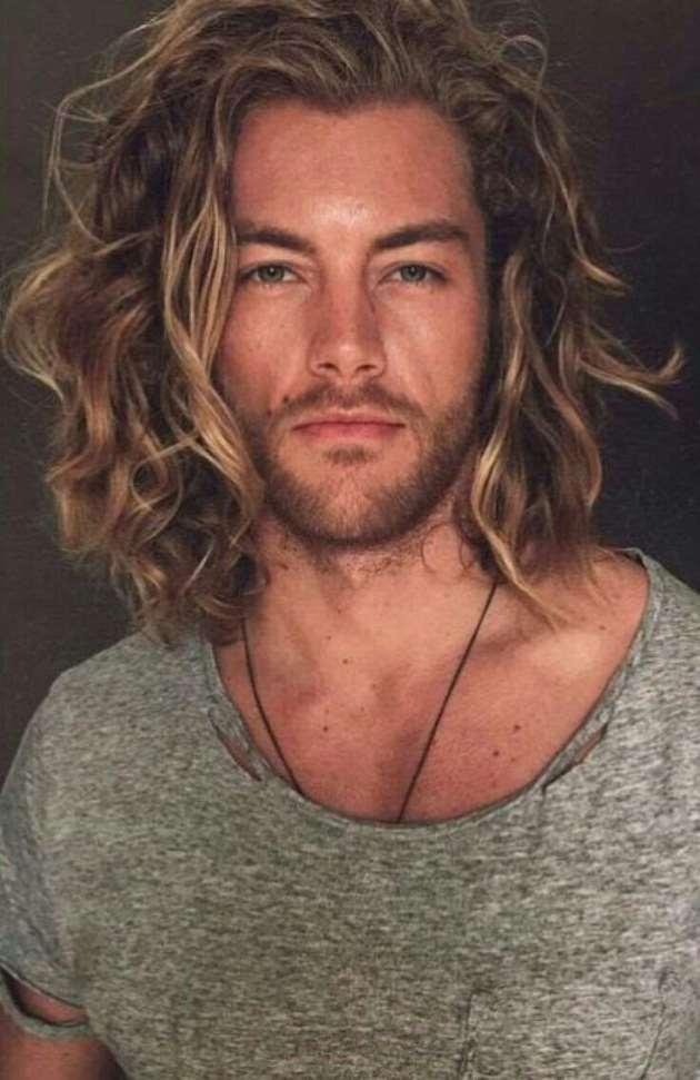 men shoulder length haircuts