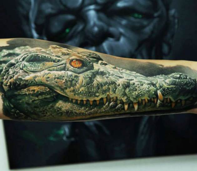 realistic full arm green crocodile tattoo design