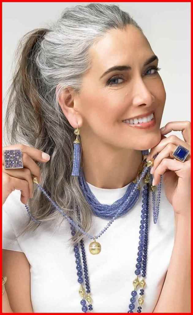 layered hairstyle for older women with medium length hair