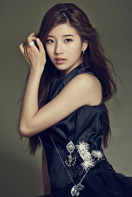 gorgeous asian female bae suzy picture