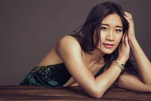 pretty asian women dee poon photograph