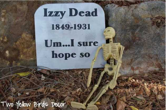 funny cemetery headstone decorations with skeleton for halloween
