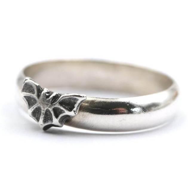 silver bat ring halloween jewellery