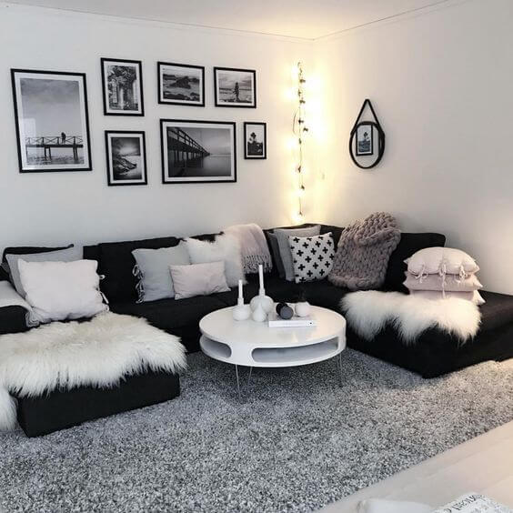 black and white theme living room