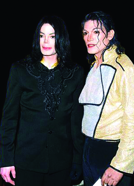 Navi (Right) pictured with Michael Jackson