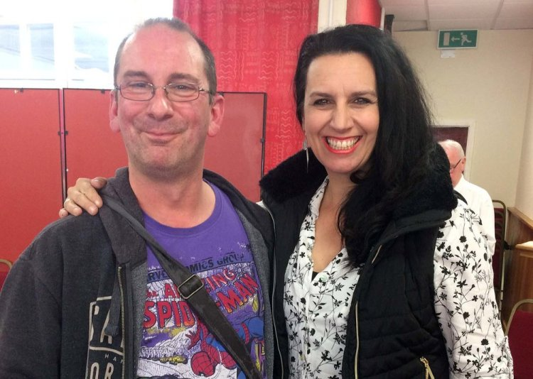 Andy Howells pictured with singer/songwriter Nicki Gillis who is currently supporting Frank ifield on his UK tour