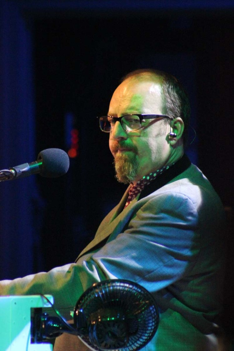 New Amen Corner keyboardist, Jules Benjaminwill be Bringing On Back The 60s at Swansea Grand and Congress Theatre, Cwmbran during September 2018.