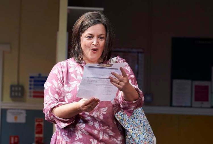 Ruth Jones in The Nightingales (UK Tour), New Theatre, Cardiff, November, 2018