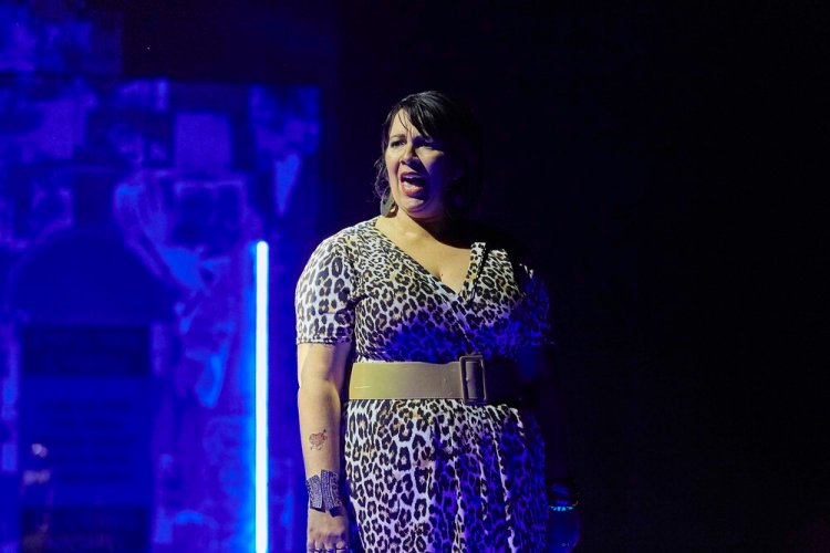 Victoria John as Big Nelll n Theatr Clwyd's presentation of Pavilion (C) The Other Richard