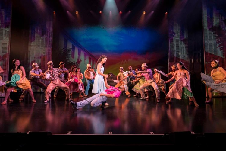 Philippa Stefani 'Gloria Estefan' and Company.in  On Your Feet  which   continues at Wales Millennium Centre until October 26 Photo Johan Persson