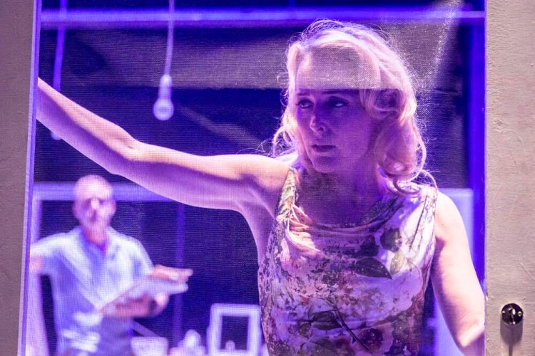 Blanche DuBois (Gillian Anderson) in A streetcar Named Desire. Photo by Johan Persson