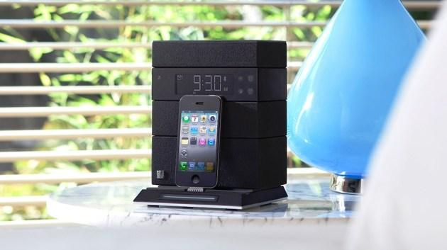 SFQ-05_Bedroom_Blue_Lamp_iPhone