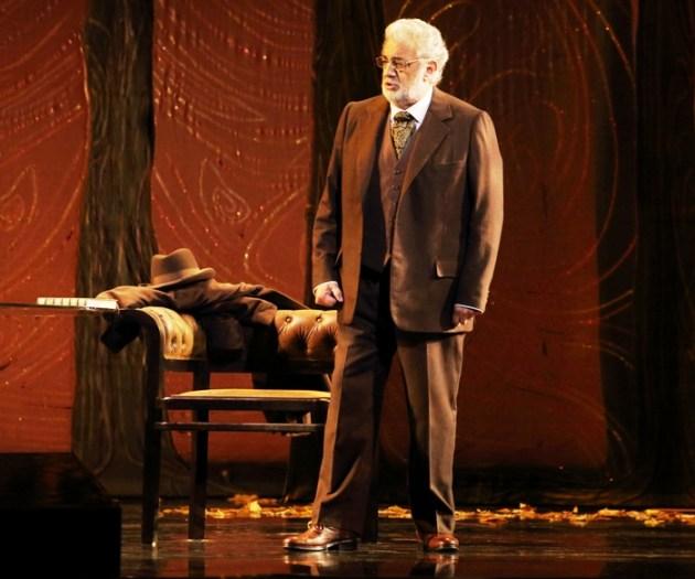 Placido Domingo (Giorgio Germon) in La Traviata